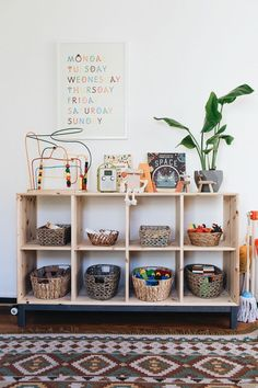 I could pin every pic from this shoot! Beautiful house Calivintage in make yourself at home by moorea seal The post I could pin every pic from this shoot! Beautiful h… appeared first on Woman Casual - Kids and parenting Playroom Organization, Playroom Decor, Nursery Decor, Playroom Ideas, Organized Playroom, Organization Ideas, Storage Ideas, Vintage Playroom, Toy Storage Shelves