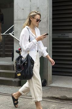 Beige is the color of elegance. And all beige looks are going to be this season's trendy look. I want to make a minimalistic look for you with Zara clothing Look Street Style, Street Style Summer, Street Styles, Linen Pants Outfit, Beige Outfit, Neutral Outfit, Fashion Mode, Street Fashion, Womens Fashion