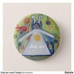 Hug me round badge Hug Me, Pin Badges, Mandala Art, Bugs, Art Drawings, Decorative Plates, Cute Animals, Design, Pretty Animals