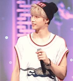 HE IS SO ADORABLE!!!! MARK TUAN EVERYBODY....