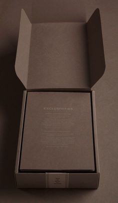 This would translate well to the field - fogal luxury packaging Fashion Packaging, Luxury Packaging, Jewelry Packaging, Brand Packaging, Box Packaging, Retail Packaging, Design Packaging, Product Packaging, Jewelry Branding
