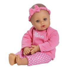 Deze pop heeft een lichte huid en prachtige bruine ogen. Ze is lekker zacht en ruikt heerlijk naar baby poeder.De pop is 33 cm groot en heeft leuke kleertjes aan. Ze kan helemaal in de wasmachine in een kussensloop.Adviesleeftijd 1