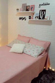 Girly Bedroom Decor, Room Design Bedroom, Cute Room Decor, Teen Room Decor, Room Ideas Bedroom, Home Room Design, Small Room Bedroom, Beauty Room Decor, Minimalist Room