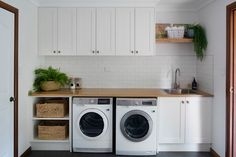 Samford Valley Acreage Property - Country - Laundry Room - Brisbane - by Elska Interiors Pantry Laundry Room, Laundry Room Bathroom, Laundry Room Remodel, Laundry Room Storage, Garage Laundry Rooms, Laundy Room, Modern Laundry Rooms, Cupboard Design, Cupboard Ideas