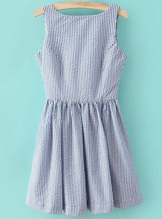LOVE the seersucker! I would die for a seersucker dress this summer! Moda Outfits, Cute Outfits, Vestido Seersucker, Hipster Grunge, Fashion Mode, Fashion Clothes, Vertical Stripes, Mode Inspiration, Preppy Style