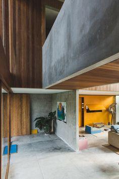 A Brutalist Tropical Home in Bali, Indonesia – Design. Interior Exterior, Interior Architecture, Concrete Houses, Padang, Dark Interiors, Tropical Houses, Brutalist, Apartment Design, Interiores Design