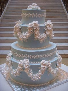 Gorgeous Victorian wedding cake in a lovely shade of pale blue.  Fantastic detail work on this cake!   ᘡղbᘠ