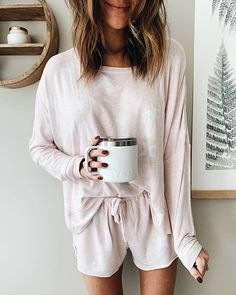 Flawless Summer Outfits Ideas For Slim Women That Looks Cool - Oscilling Lazy Day Outfits, Summer Outfits, Casual Outfits, Cute Outfits, Cute Lounge Outfits, Cozy Fall Outfits, Pajama Outfits, School Outfits, Lauren Kay Sims