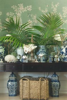 Mark D. Sikes, House Beautiful: dining room, Chinese porcelain vases collection, basket