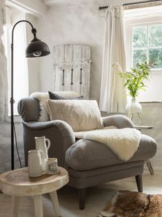 Luxury Cornish Farmhouse in Ventongimps, Perranporth Beach Cottage Living Rooms, Home Living Room, Living Room Designs, Living Room Decor, Country Cottage Interiors, Beach Cottage Decor, Cottage Lounge Ideas, Country Cottage Bedroom, Coastal Cottage