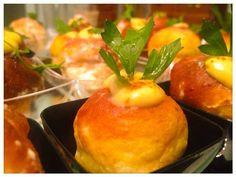 """Per il tuo aperitivo oggi ti presento il """"mio"""" babà salato al pecorino con crema pasticcera salata alle acciughe! Bon appétit!"""
