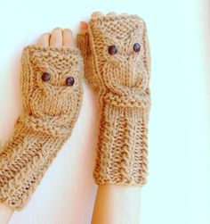 owl fingerless mitties. @Bridgett - OMG!:)
