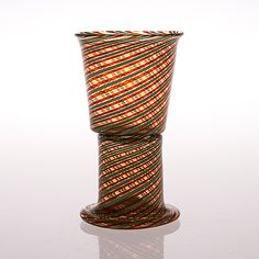 "KAJ FRANCK - Art glass vase ""Pokaali"" for Nuutajärvi Notsjö, Finland.   [h. 17,5 cm] Modern Glass, Modern Contemporary, Glass Design, Design Art, Scandinavian, Glass Art, Retro Vintage, Candle Holders, Antiques"
