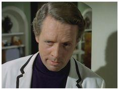 THE SCHIZOID MAN: Patrick McGoohan as Curtis.