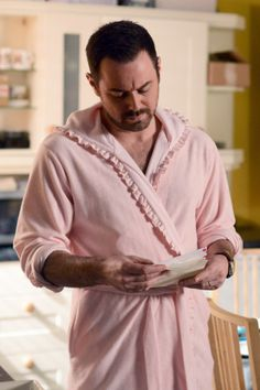 5 things we love about Danny Dyer in EastEnders Danny Dyer shocked us all when it was announced he'd be joining Albert Square as a brand new character to join Shirley Carter's family, Mick Carter. Mick Carter, Pink Dressing Gown, Carter Family, Hard Men, Hollyoaks, Soap Stars, Tv Soap, Tv Actors, The Duff
