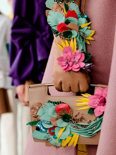 Discover the complete DELPOZO Fall Winter 2016 Metropolis collection Tambour Embroidery, Embroidery Fashion, Hand Embroidery, Diy Clutch, Textiles Techniques, Delpozo, Fabric Manipulation, Fashion Details, Textile Design