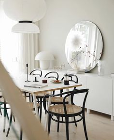 Dining Room Inspiration, Interior Inspiration, House Doctor, Apartment Interior, Wishbone Chair, Kitchen Dining, Beautiful Homes, Advent, Ikea