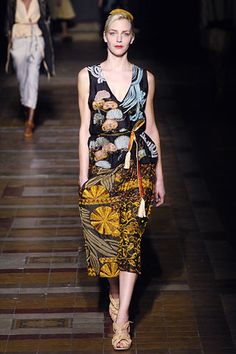 Dries Van Noten Spring 2006 Ready-to-Wear Fashion Show - Hannelore Knuts