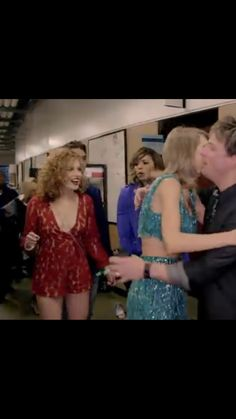 Abigail was I the New Romantics video did u know that?<<< omg yes I had to pause and just Fangirl over Abigail because it reminded me of Teardrops on my Guitar and Fifteen