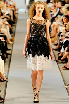 oscar de la renta spring 2012 lace dress