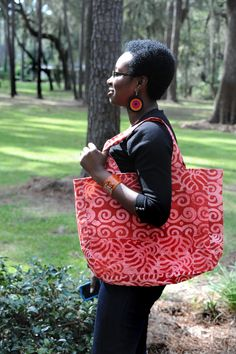 Southern Journeys is a worker-owned social enterprise. Southern Journeys draw their inspiration from piece sewing and quilting traditions originating in the rich cultures of West Africa.