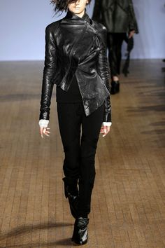 Aminaka Wilmont / Asymmetric leather