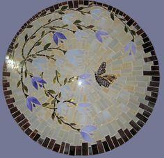 $220 quadro mosaico vidro com detalhe borboleta em espelho, pode ser usado como tampo de mesa. quadro/ tampo em mdf.