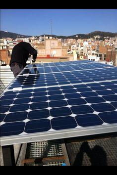 Instalado el primer ascensor solar de España. La multinacional suiza Schindler ha suministrado el primer ascensor movido por energía solar. Más información en www.coneledigital.com