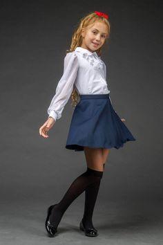 Beautiful Blouse for a Girl Little Girl Models, Cute Little Girl Dresses, Cute Young Girl, Beautiful Little Girls, Little Girl Outfits, Cute Girl Outfits, Child Models, Outfits For Teens, Cute Girls