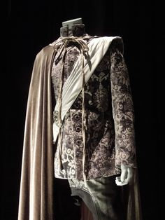 Image gallery for : prince charming costume once upon a time Prince Costume, Prince Charming Costume, Fairy Tale Costumes, Fantasy Costumes, Renaissance Fair Costume, Renaissance Men, Theatre Costumes, Cool Costumes, Princes Fashion
