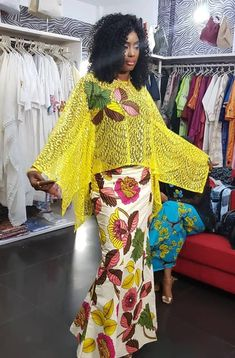 Lace and cotton African Wear, African Women, African Dress, African Fashion Dresses, Fashion Outfits, Tribal Fashion, Womens Fashion, African Blouses, Ankara Skirt And Blouse