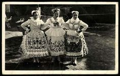 1948 Folk Costume, Costumes, Great Plains, Folk Dance, Old Pictures, Hungary, Lace Skirt, Past, Times