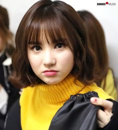 Kpop Short Hair, Girl Short Hair, Sweet Girls, Cute Girls, G Friend, Iconic Women, Girl Bands, Friends In Love, Celebrity Crush