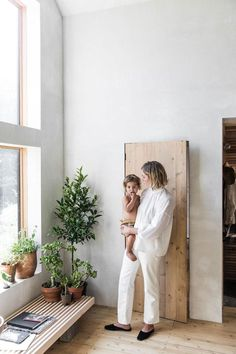 designer Julie O'Rourke of Rudy Jude in her maine home. / sfgirlbybay