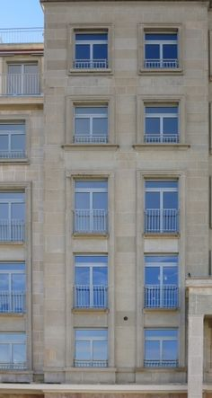 une texture de facade de batiment de ville