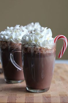 Warm up to this amazing Hazelnut Hot Chocolate, a wonderful spin on your regular hot chocolate!  Rich, chocolatey and delicious! #hotcocoa #hotchocolate