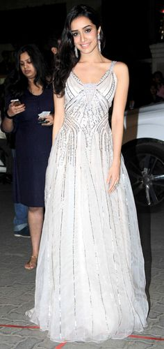 Shraddha Kapoor arriving at the 60th Filmfare Awards 2014