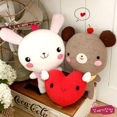 이미지 상세보기 Felt Crafts Diy, Sock Crafts, Diy Crafts For Gifts, Cute Crafts, Little Girl Toys, Toys For Girls, Felt Puppets, Kawaii Crafts, Sock Toys