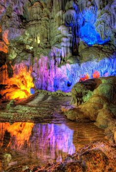 Grotte de la Baie d'Halong, Vietnam