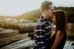 Fall couples session | autumn sunset | Alexis wise photography | Ohio photographer