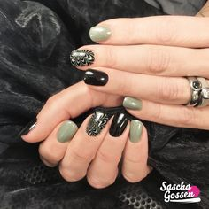 Working with my new plates! CND™ SHELLAC™ Black Pool and Wild Moss with the new :YOURS loves SASCHA stamping plate! #cnd #cndshellac #cndworld #cndnederland #SHELLAC #stampingnailart #stampingqueen #stamping #sascha #saschagossen #yourscosmetics #yourslovessascha #nail #nails #nailpro #nailart #nailswag #instanails #inspiration #nails2inspire #nailaddict #naildesign @yourscosmetics @cndnederland @cndworld