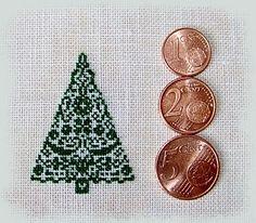 Grille gratuite point de croix sapin de Noël - Les grilles de Liselotte