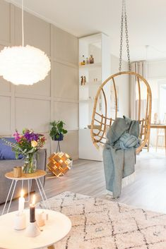 Scandinavian livingroom with hanging chair and blue plaid - Juudithhome Small Living Rooms, Home Living Room, Living Spaces, Living Room Inspiration, Interior Inspiration, Room Swing, Metal Bistro Chairs, Cool Chairs, Home Hacks