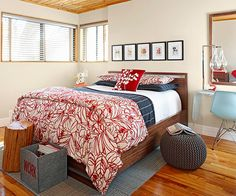 Modern style doesn't have to come at the cost of comfort: http://www.bhg.com/rooms/bedroom/master-bedroom/25-of-our-favorite-real-life-bedrooms-/?socsrc=bhgpin040414moderncomfort&page=17
