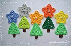 These adorable granny stars can help you to add sparkles to your holiday. You can use this pattern for making garlands, snowflakes, doilies, tablecloth or mix it with Crochet Christmas Tree . Crochet Christmas Decorations, Small Christmas Trees, Christmas Tree Pattern, Crochet Christmas Ornaments, Christmas Crochet Patterns, Holiday Crochet, Christmas Knitting, Christmas Crafts, Christmas Holiday