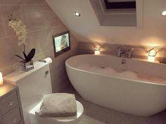Badezimmer grau weiß
