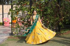 Lehenga Color Combinations, Mehendi Outfits, Summer Wedding Outfits, Wedding Decorations, Wedding Ideas, Wedding Story, Chandigarh, Bridal Lehenga, Bridal Portraits