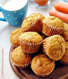Muffinki z marchewką Yummy Treats, Sweet Treats, Carrot Muffins, Sweet Recipes, Food Photography, Deserts, Dessert Recipes, Food And Drink, Cooking Recipes