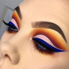 """L U C Y on Instagram: """" COBALT Here is the look from my story a couple of days ago!! I'm really pleased with the way this one came out and I've been loving…"""" #eyemakeup"""