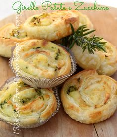 Zucchini and potatoes Puff pastry swirls. Antipasto, Vegetarian Recipes, Snack Recipes, Cooking Recipes, Amouse Bouche, Amazing Food Decoration, Veg Appetizers, Tasty Bites, Food Humor